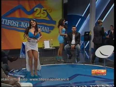 Marika Fruscio Spogliarello per la Coppa Italia del Napoli (24/05/12)