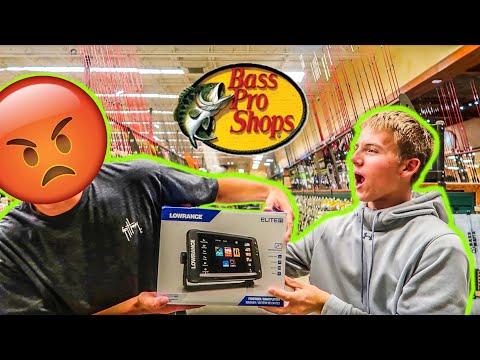 Black Friday Shopping At Bass Pro Shops (2018)