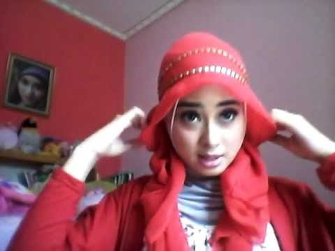 Square Hijab with headband by Ninasept