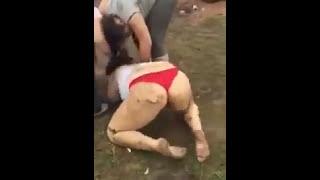 Gambar cover Ghetto girls fight til naked IV
