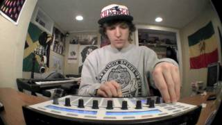 Felly rips a verse over Maschine beat