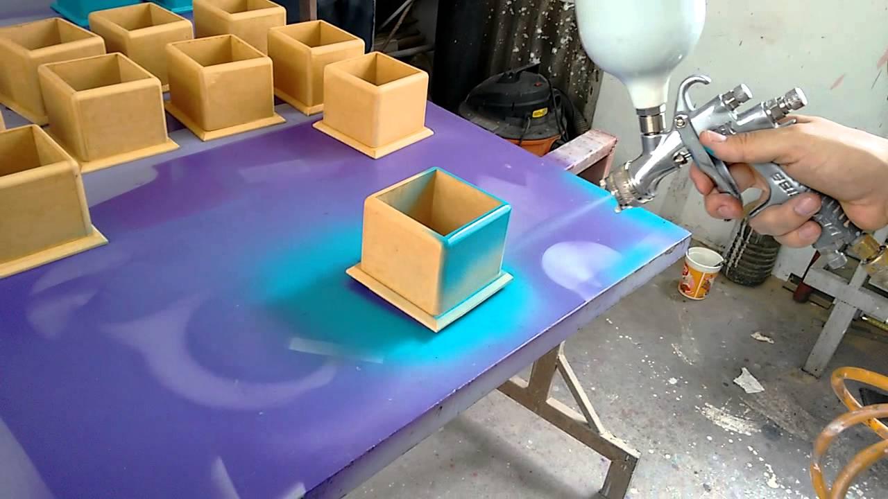 Pintando cajas en mdf para cotillon o centro de mesa fabricaci n propia youtube - Mesas con cajas de madera ...