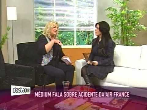 Carmem Tiepolo no Programa Destaque do SBT falando sobre a queda do avião da Air France