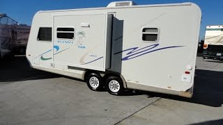 Easy To Pull Super Light 2003 22ft Kiwi Too Bumper Pull Travel Trailer!