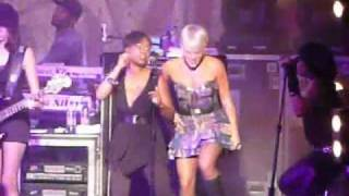 Pink - One Foot Wrong (live in Sydney)
