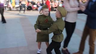 Вальс в День Победы. Хабаровск