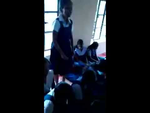 Ranchi blind girl Tumpa sing a song sun rha h n tu