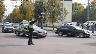 У Житомир приїхав президентський кортеш: Лукашенко та Зеленський вже на форумі