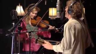 Watch Alison Krauss Sawing On The Strings video