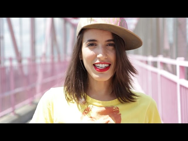 Hank & Cupcakes - Bat Your Eyelids (Official Music Video)