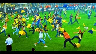 Football Fights • Crazy Angry Moments in football Players vs Referees HD