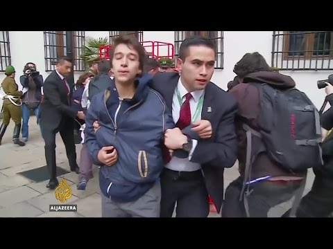 Chile's students demand free tuition for all