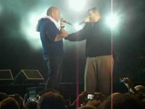 Chorão e Smash Mouth juntos no palco prometendo gravar músicas juntos (Lupaluna 19-05-2012)