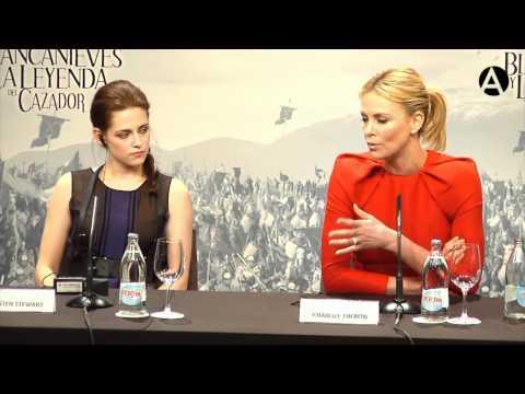 Charlize Theron y Kristen Stewart en Casa de América
