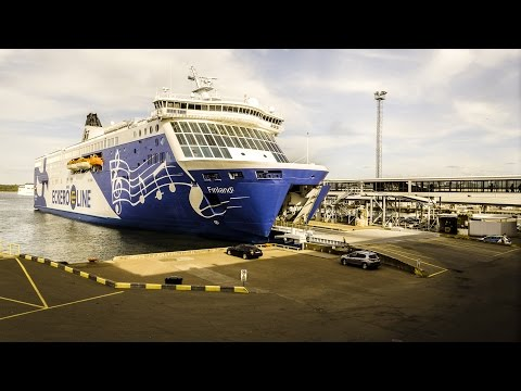 RoPax Ship: MS Finlandia Cruiseferry Unloading.