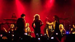 Gloria Trevi - Esa Hembra es Mala (KLove Concierto Privado) Marzo 24, 2011