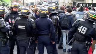 Blocus pour Théo : manifestation sauvage de lycéens à Paris (Direct du 28.02)