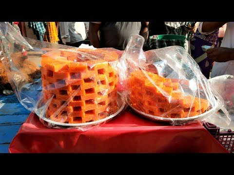 Wow Those are Tasty Coconut Burfi | Kobbari Louz / Kobbari Laddu | Hyderabad Street Foods