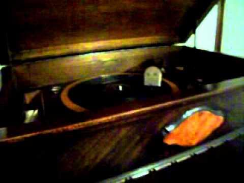 Edison C-4 Radio /  phonograph