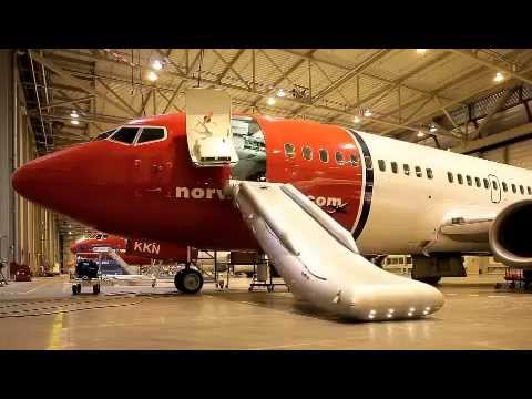 Norwegian Air Shuttle - evacuation slide operation, B737-800