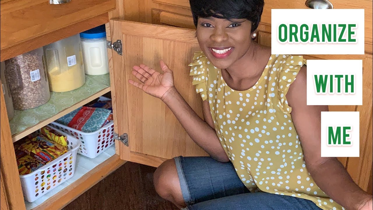 ORGANIZE WITH ME / HOW I ORGANIZE MY NIGERIAN FOOD IN MY KITCHEN CABINET