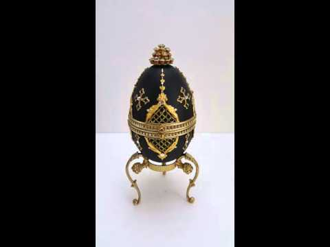 SOLD! Hollywood Regency Musical Easter Egg Jewelry Gift Box