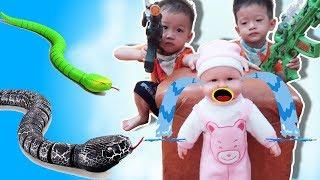 Đồ Chơi Baby Fun ❤️ Trò Chơi Rắn Hổ Mang Phiêu Lưu Ký ❤️ Gia Đình Baby Shark