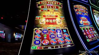 Foxwoods Casino   chiĮling in the great cedar casino playing roulette and playing slot machines.