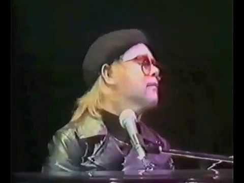 Elton John - Roy Rogers (Live at Wembley Stadium 1977)
