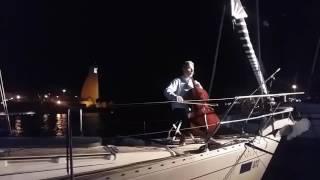 Roberto Soldatini concerto in barca vela al porto di Brindisi