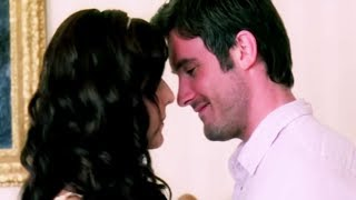 Katrina Kaif Gets Uncomfortable While Making Love | Namastey London Hindi Movie| Bollywood Scene