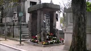Cimetière du Père Lachaise : Allan Kardec , Laurent Fignon, Simone Signoret, Yves Montand... Video