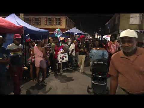 Antigua Christmas Eve on Market St 2018