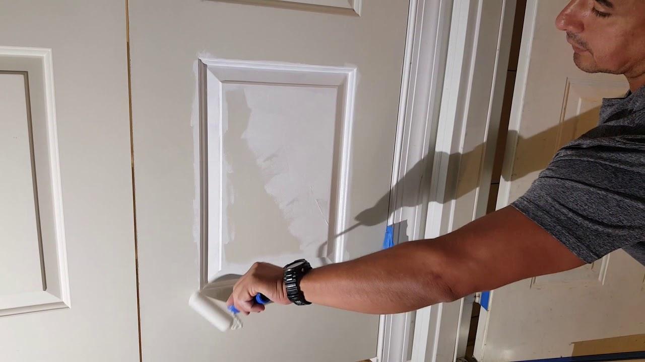 Como pintar puertas con brocha y rodillo de espuma youtube for Colores para pintar puertas de madera