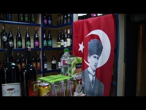 Turkish demonstrators rally against alcohol proposals