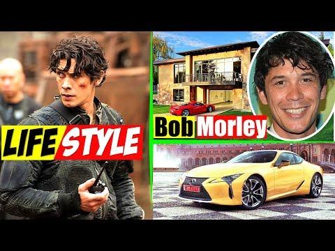 Bob Morley Lifestyle Bellamy Blake as The 100 Girlfriend, Net Worth,  Biography