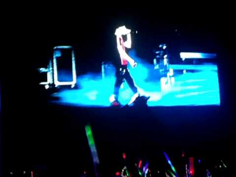 Justin Bieber - Concert in Brazil / RIO - Down To Earth (05.10.11)