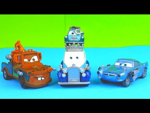 Disney Pixar Cars The Queen gets taken by the Lemons & Professor Z Taco Truck Mater Saves the Day