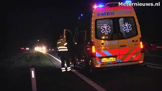 Twee gewonden.Auto duikt sloot N48 bij Ommen in