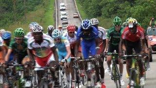 Gabon: cyclistes amateurs et pro se croisent sur la course Amissa Bongo
