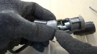 Как разобрать замок зажигания скутера Honda(, 2015-02-17T07:35:28.000Z)