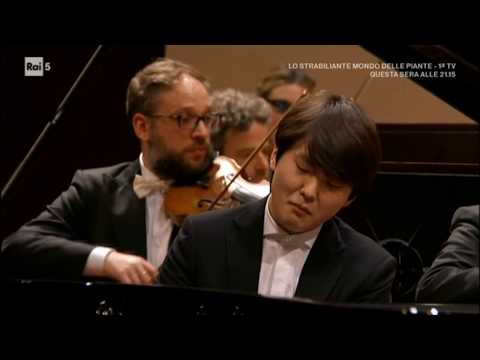 22.03.2018 Seong-jin Cho - Rachmaninoff Piano Concerto No.3 (Trino, Italy)(Full ver.)
