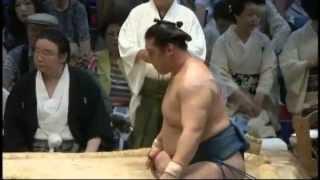 豊真将勝ち越し sumo homasyo takanoiwa.