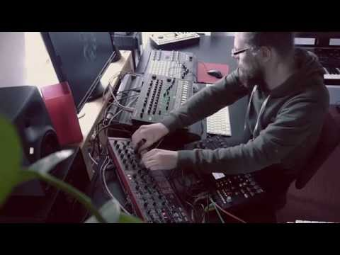 Martin Stürtzer - Techno session with TR-8, Nord Lead 4, Octatrack
