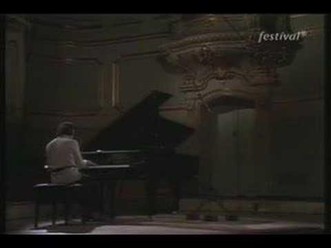 Michelangeli - Debussy - Danseuse de Delphes