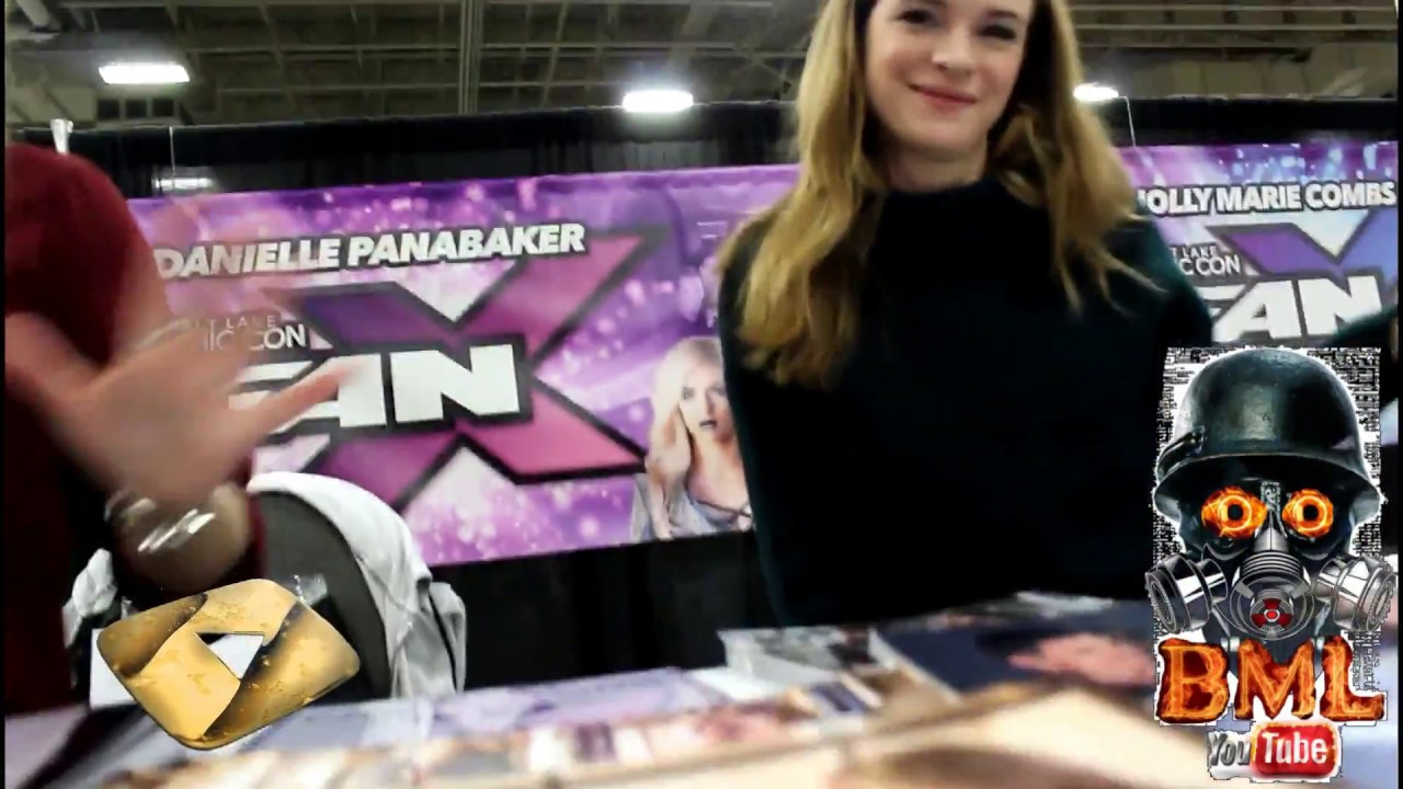 Danielle Panabaker Meet Greet Comic Confanx 2017 Youtube