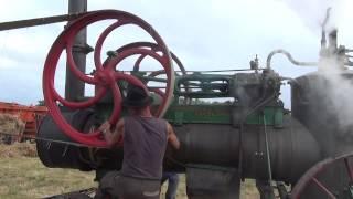 Démarrage de la batteuse à Chamorin 2013 via la machine à vapeur