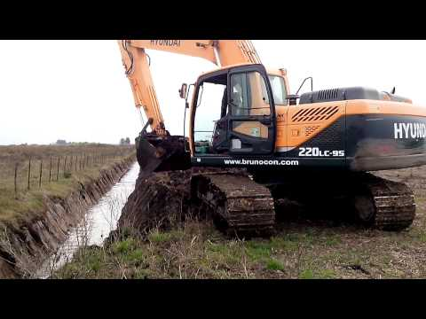 Video Pásové rypadlo HX 220L