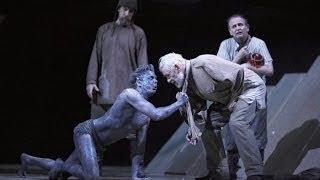 King Lear - Analyzing Staging in Act 2 - Edgar Becomes Poor Tom