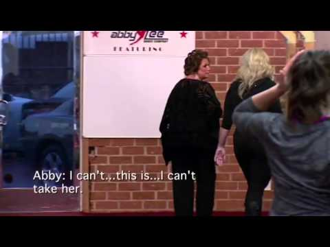 Dance Moms - Abby Uninvites Brynn To The People's Choice Awards (S6,E11)